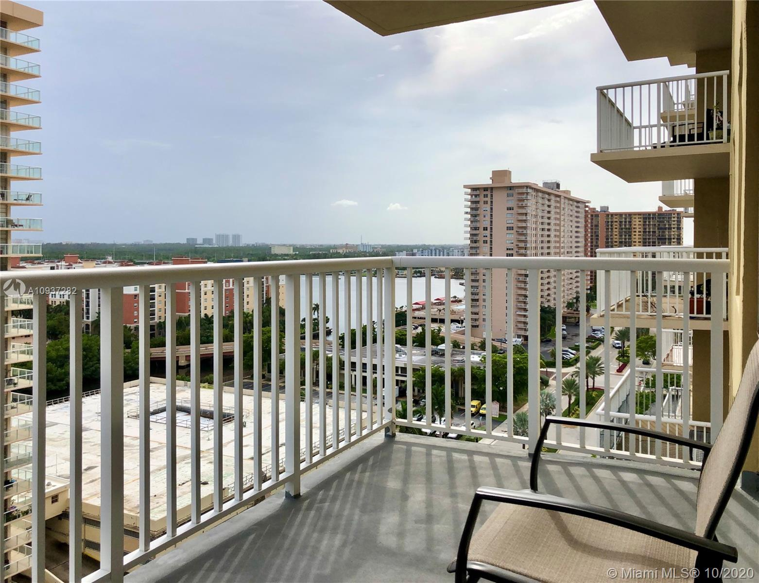 Very bright, clean, spacious and updated 1 bed 1 bath Sunny Isles Beach condo. Open dining area, lar
