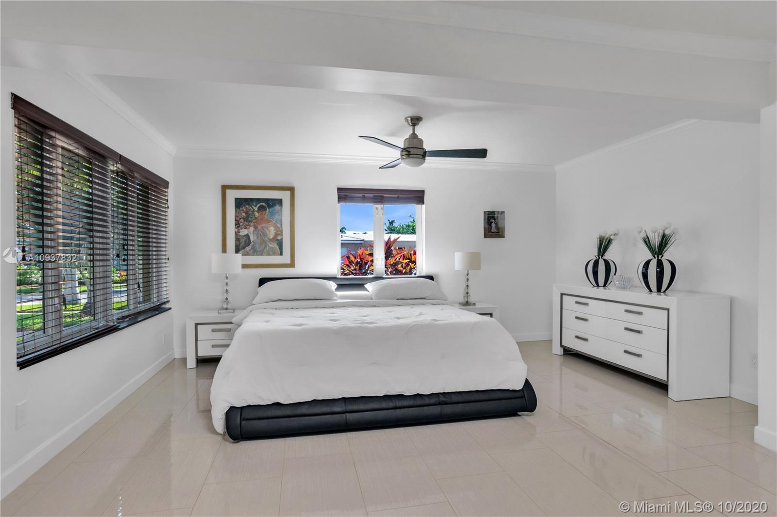 One of the few 3 bedrooms and 3 full bathrooms properties in desirable Imperial Point.  Two of the b