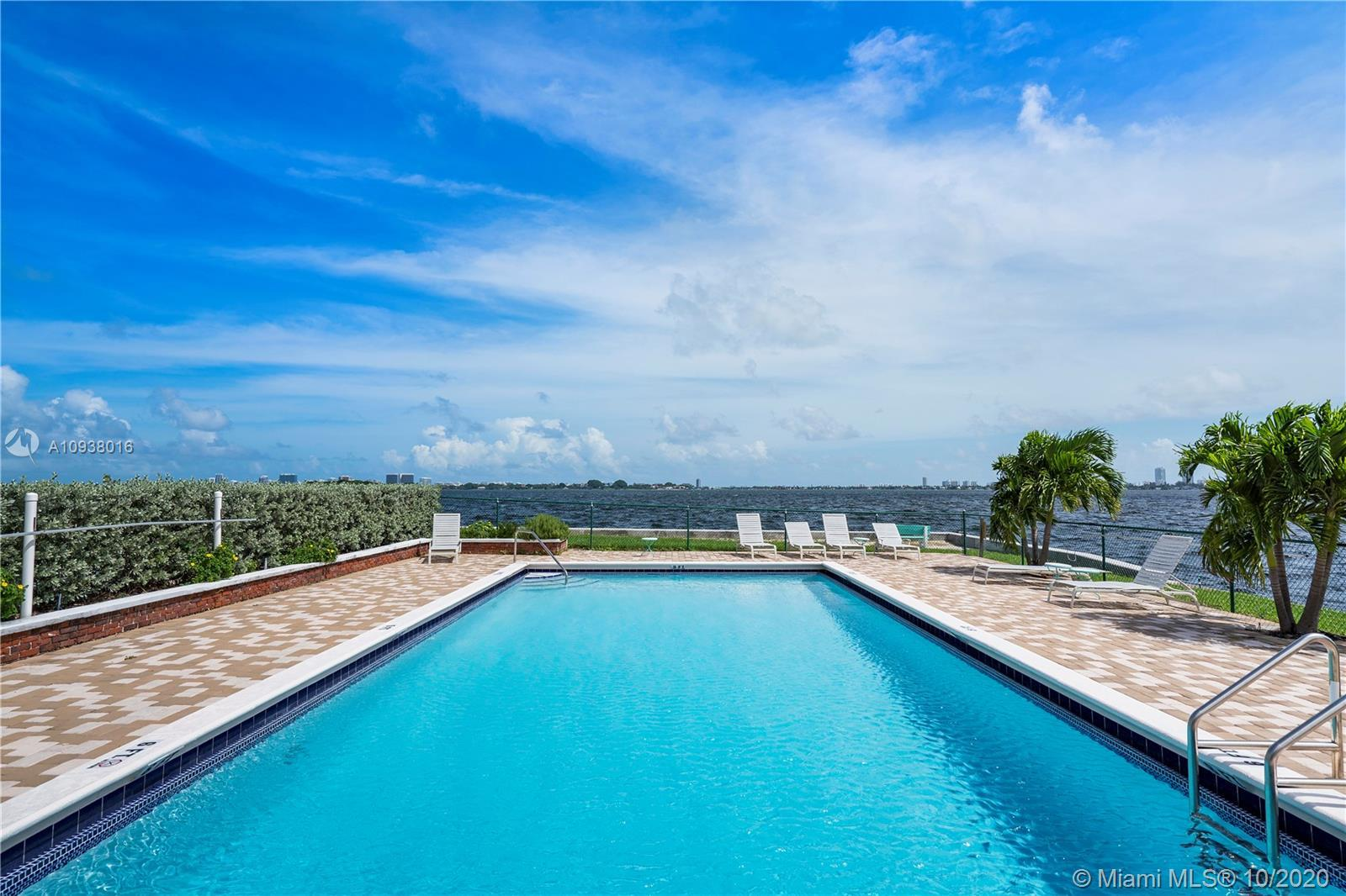 AMAZING OPPORTUNITY TO LIVE IN MIAMI SHORES - SPACIOUS 1 BED - 1 BATH.  BAY-FRONT BUILDING AT THE EN