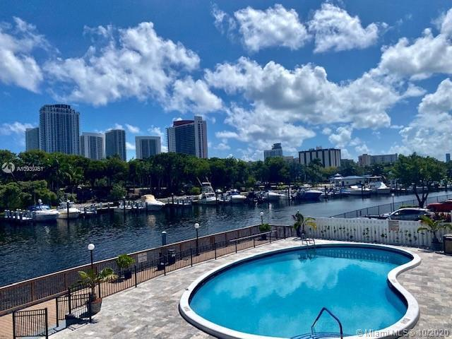 Beautiful, Spacious 2/2 condo with gorgeous water views in the heart of Hallandale Beach. Walking di