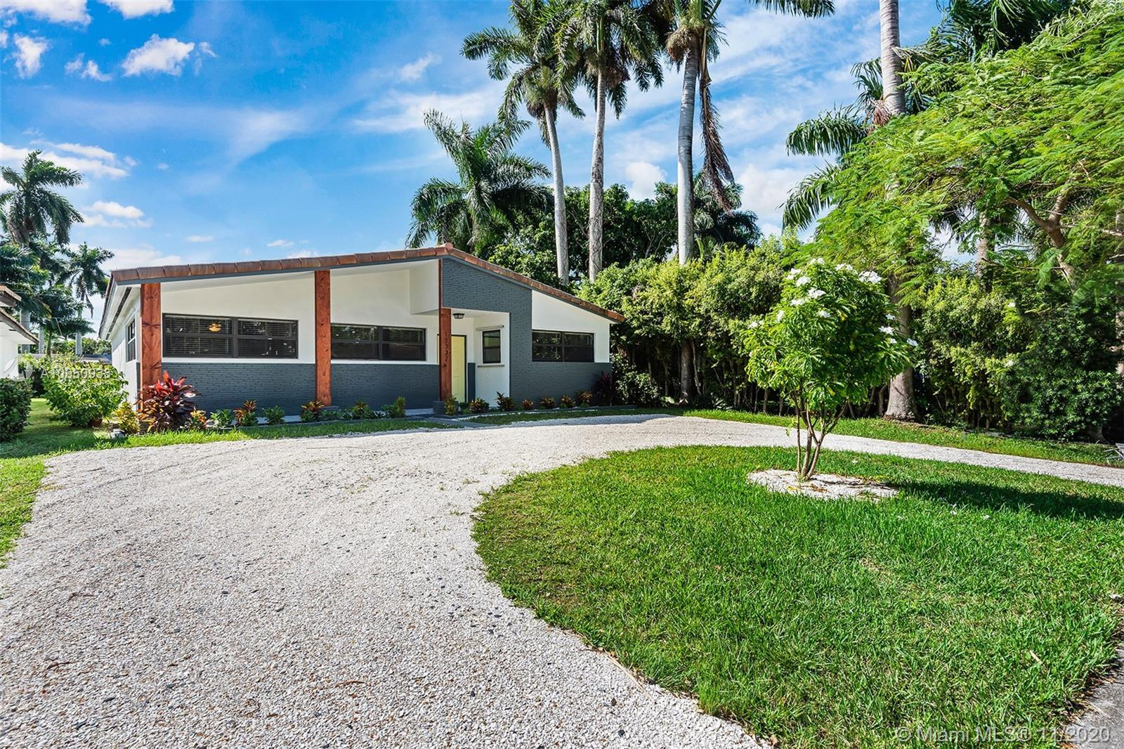 NEW FOR YOU IN HOLLYWOOD LAKES*COMPLETELY REMODELED*LARGE OPEN FLOOPLAN*OVER 2,300 sqft*MODERN EXTER