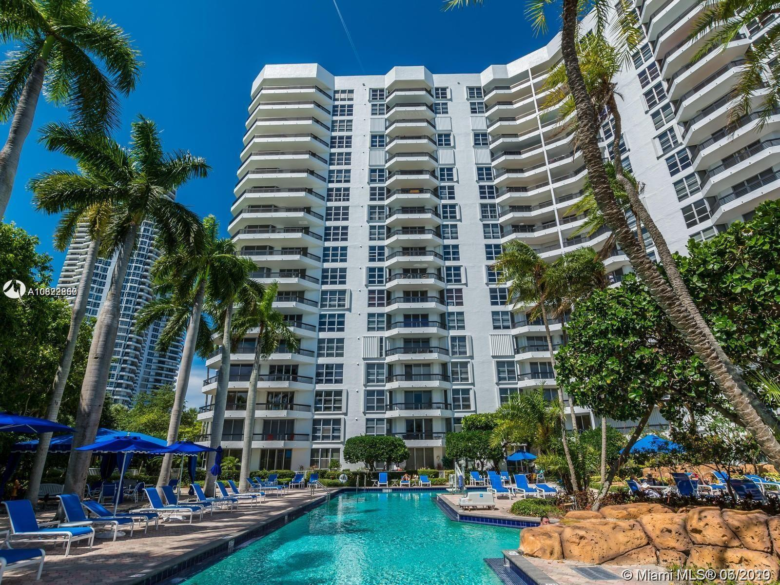 TOWER 300 MYSTIC POINTE LOCATED IN THE HEART OF AVENTURA!! PRICED TO SELL. UNIT FEATURES SOME OCEAN