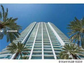 Beautiful corner unit with stunning views of Biscayne Bay, Atlantic Ocean and City Skyline. Marble f