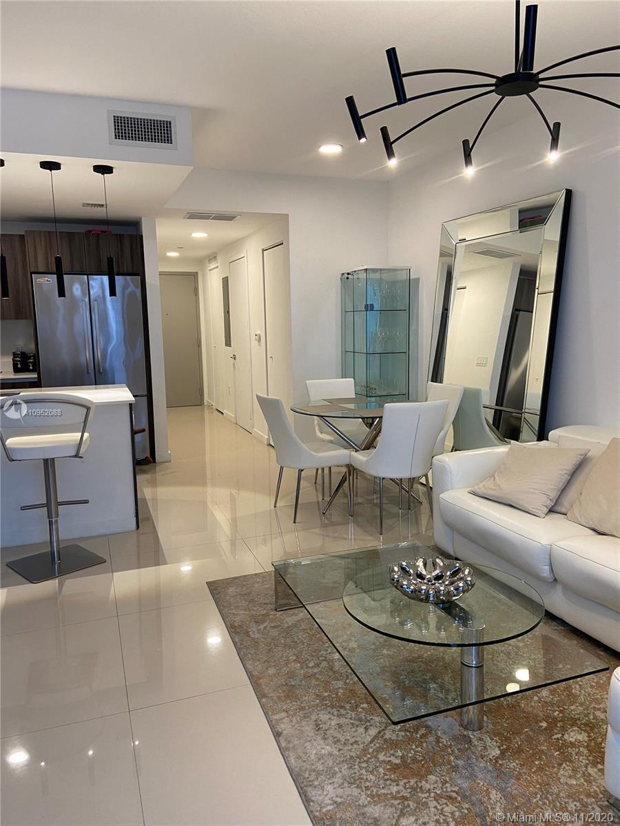 Beautiful condo located on the 44th floor with Bay & City views, 1B/1.5B. Brand new building located
