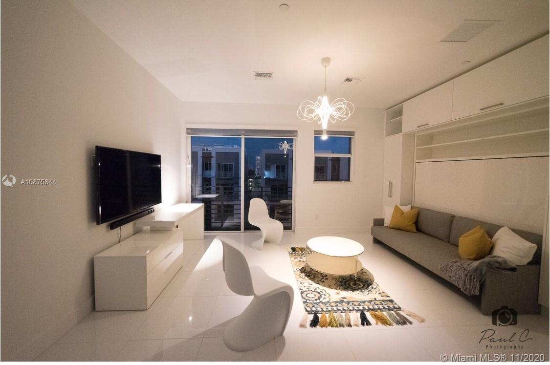 Amazing brand new studio fully furnished in a Boutique Style Building with pool in East Fort Lauderd