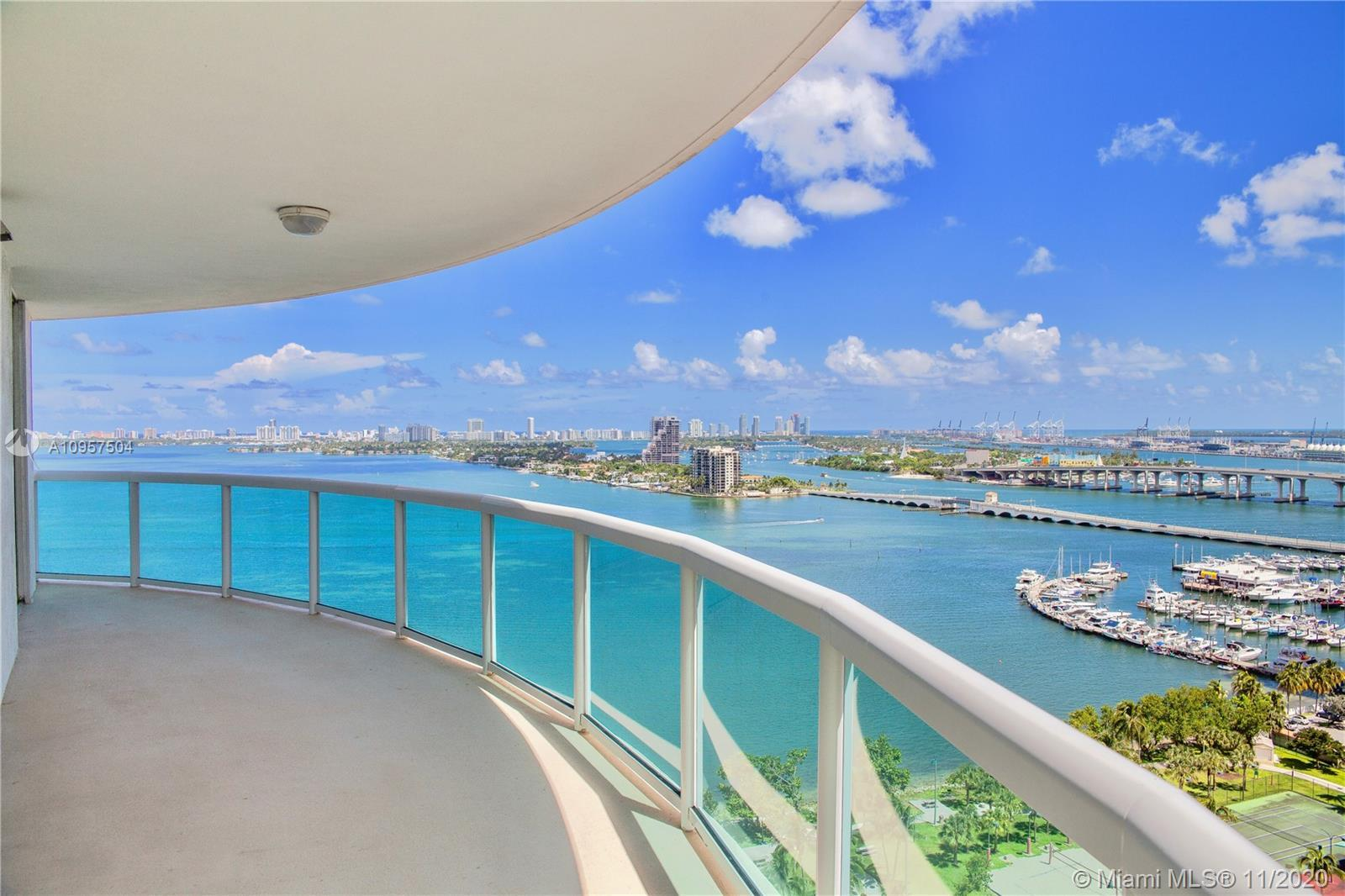 Incredible direct bay views  from ideal 21st floor! This generous size 3/3 apartment at 1800 Club pr