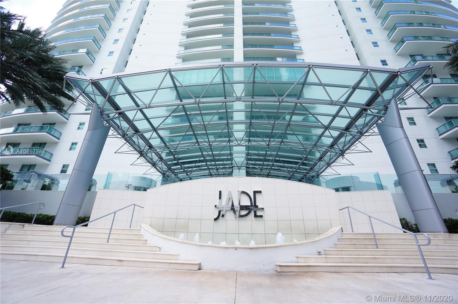 Spectacular 2BR/2BA/ 1,529 Sqft of fabulous living on an exclusive waterfront real estate location i