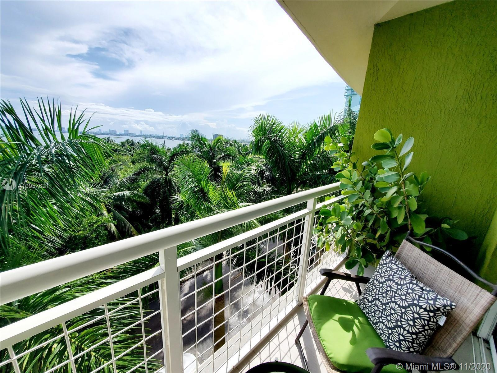 **DIRECT EAST BAYVIEWS FROM EVERY ANGLE OF THIS 2/2 split floorplan in Miami's best location East Ed
