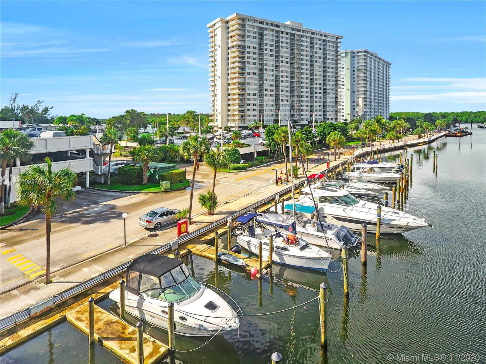 Best price for a 2/2 unit with gorgeous Intracoastal and Bay views in a full-service building locate
