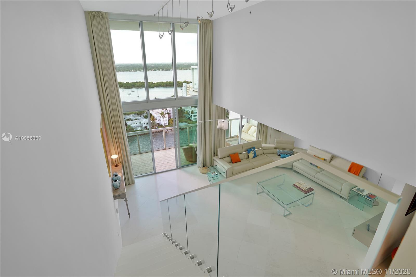 Truly spectacular 4 bedrooms 2-stories, 22ft ceiling loft, lower penthouse, with unobstructed views