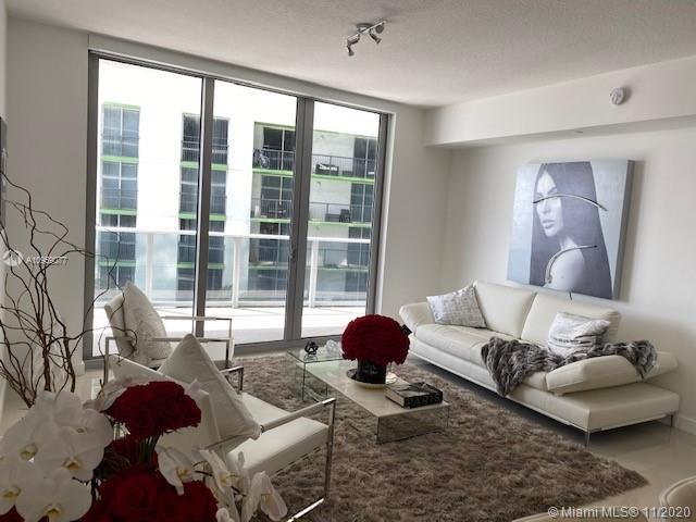 Aria on the Bay, is a luxury high-rise development designed by Arquitectonica.