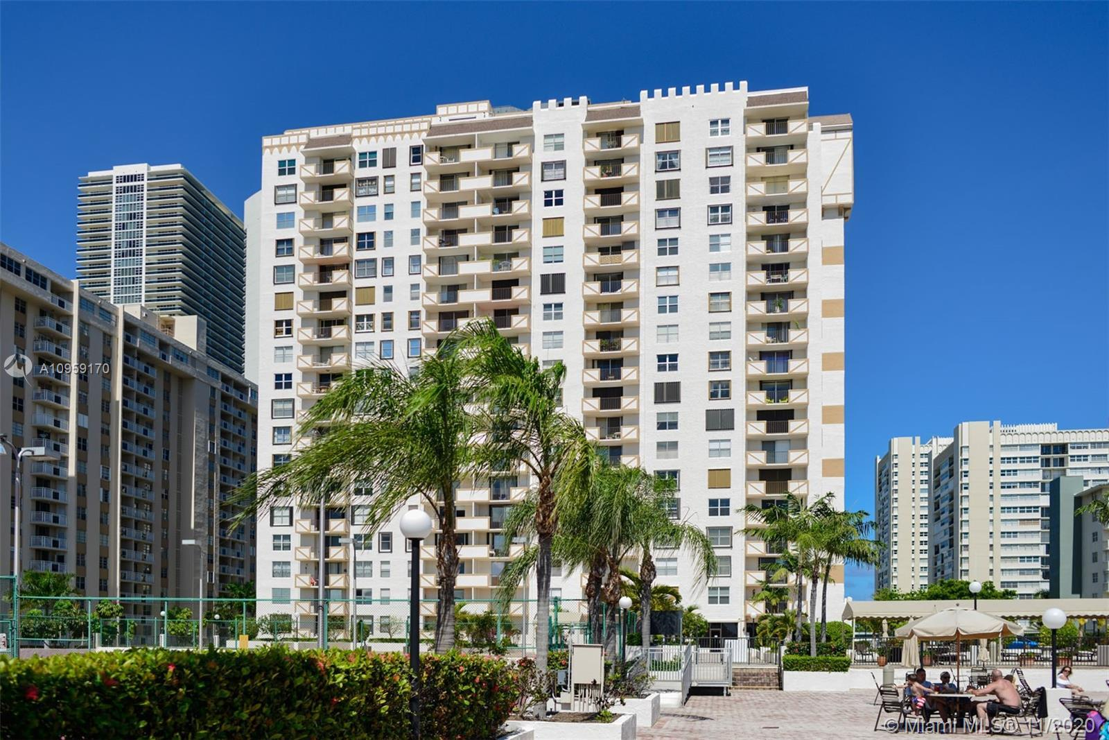 Motivated seller. Spacious 1350 sq.ft. 1 bed 2 bathroom unit across the street from the beach. Large