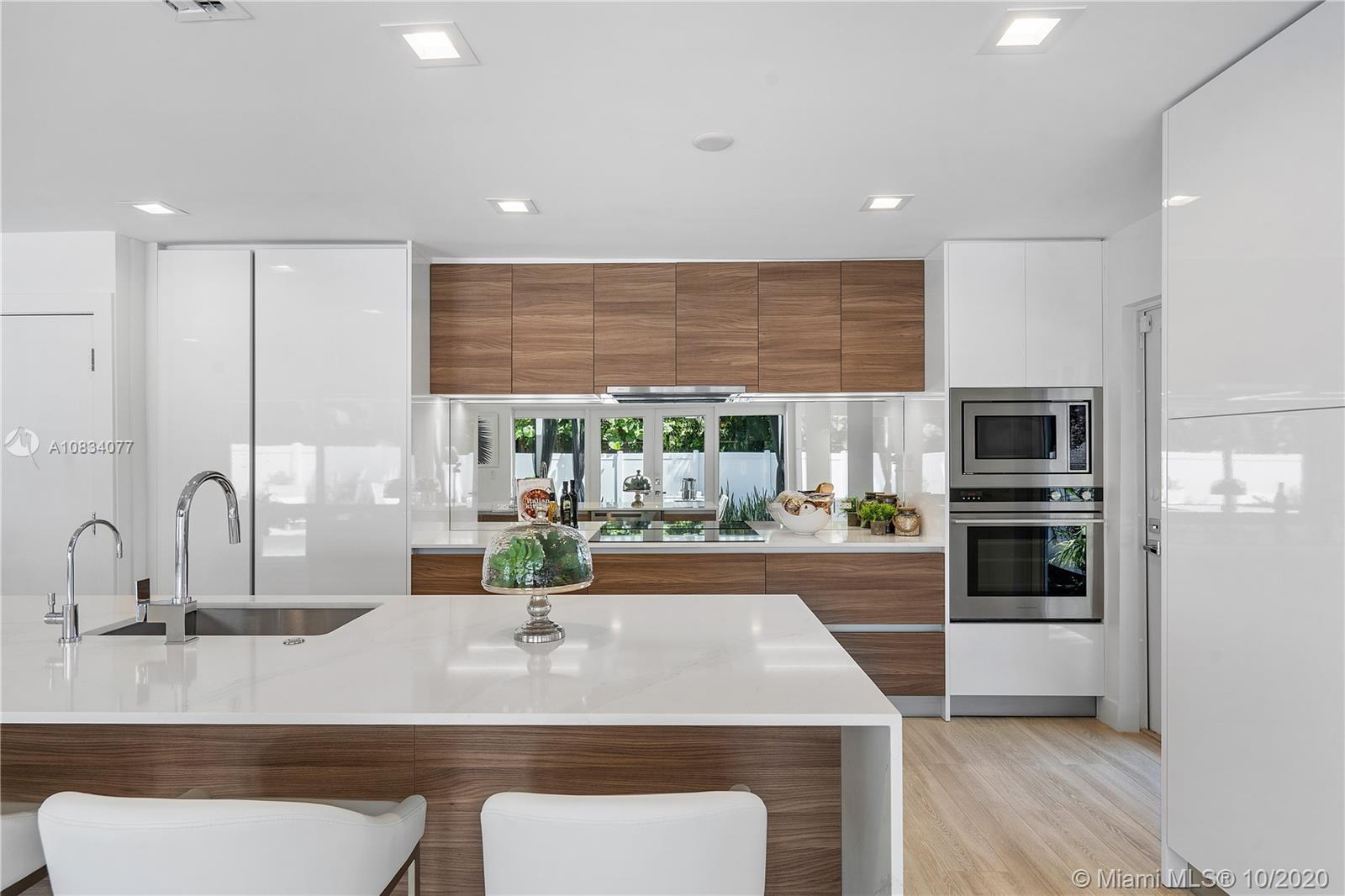 Stunning Hamptons beach contemporary in prestigious Harbor Beach – space and privacy to get away fro