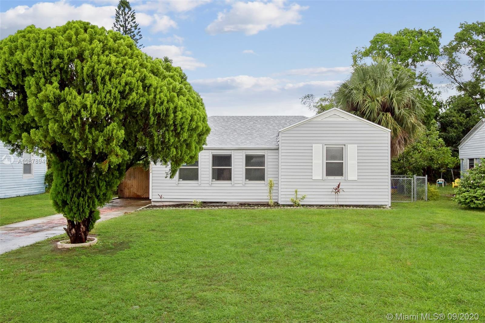 This home is a 3 bedroom, 1 bathroom with carport parking. Pecan Real Estate does not advertise on C