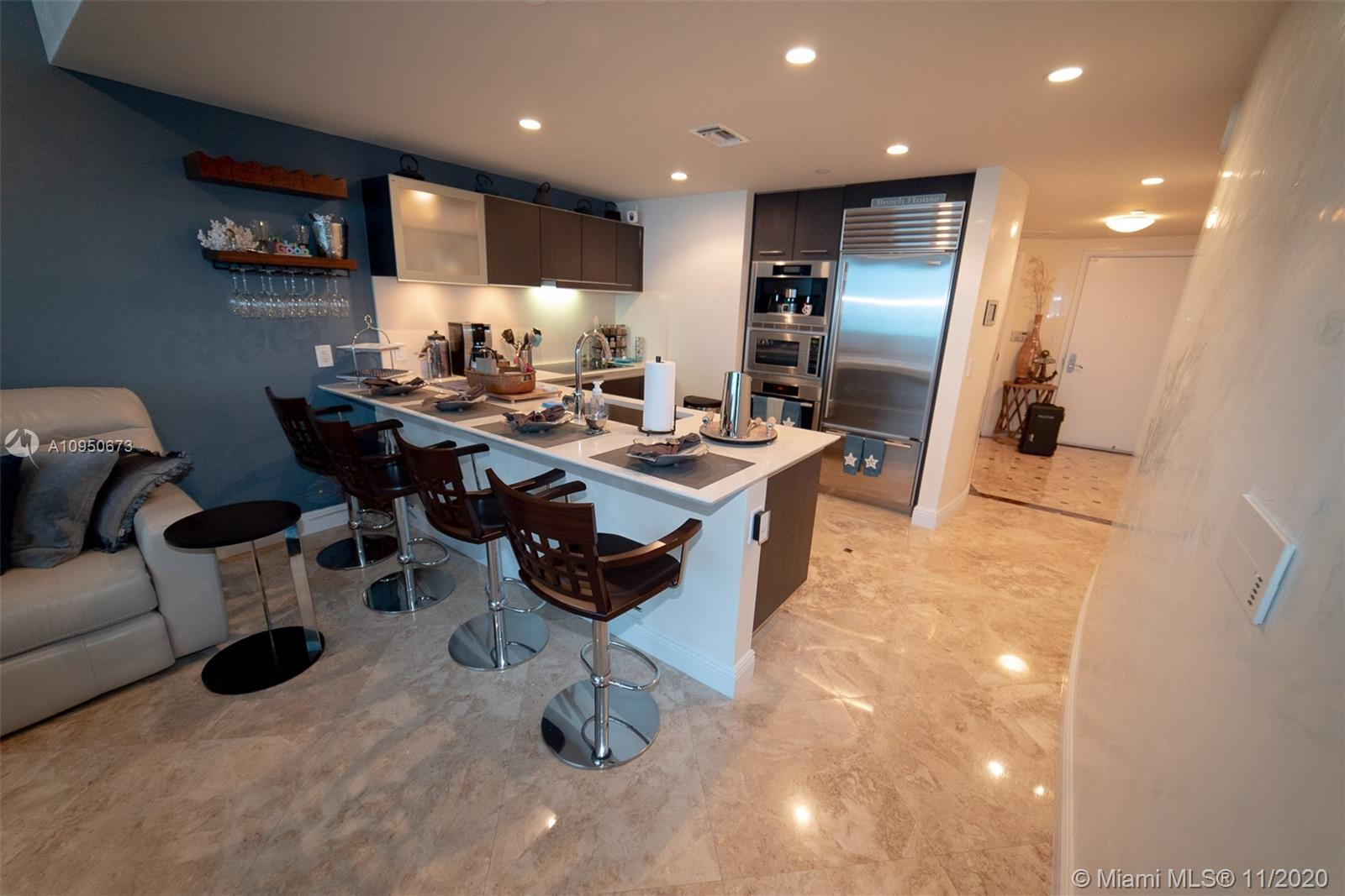 PARADISE FOUND! STUNNING OCEAN VIEWS FROM EVERY ROOM. COMPLETELY RENOVATED 1BED/ 1 BATH APARTMENT. F
