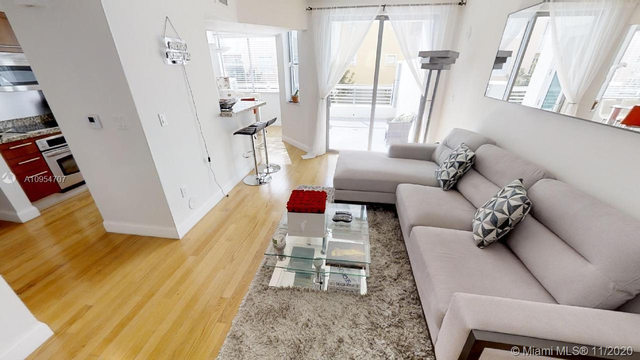 STUNNING 1 BED 1.1 BATH LOCATED AT LUXURIOUS COSMOPOLITAN BUILDING. BIGGER TERRACE IN THE BUILDING.