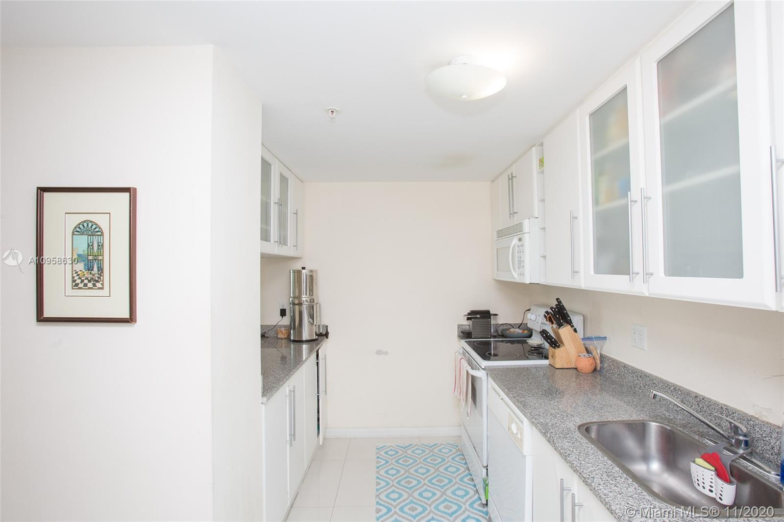 Great location between Midtown and Downtown  ,  close Distance  to Art Center , Miami American Airli
