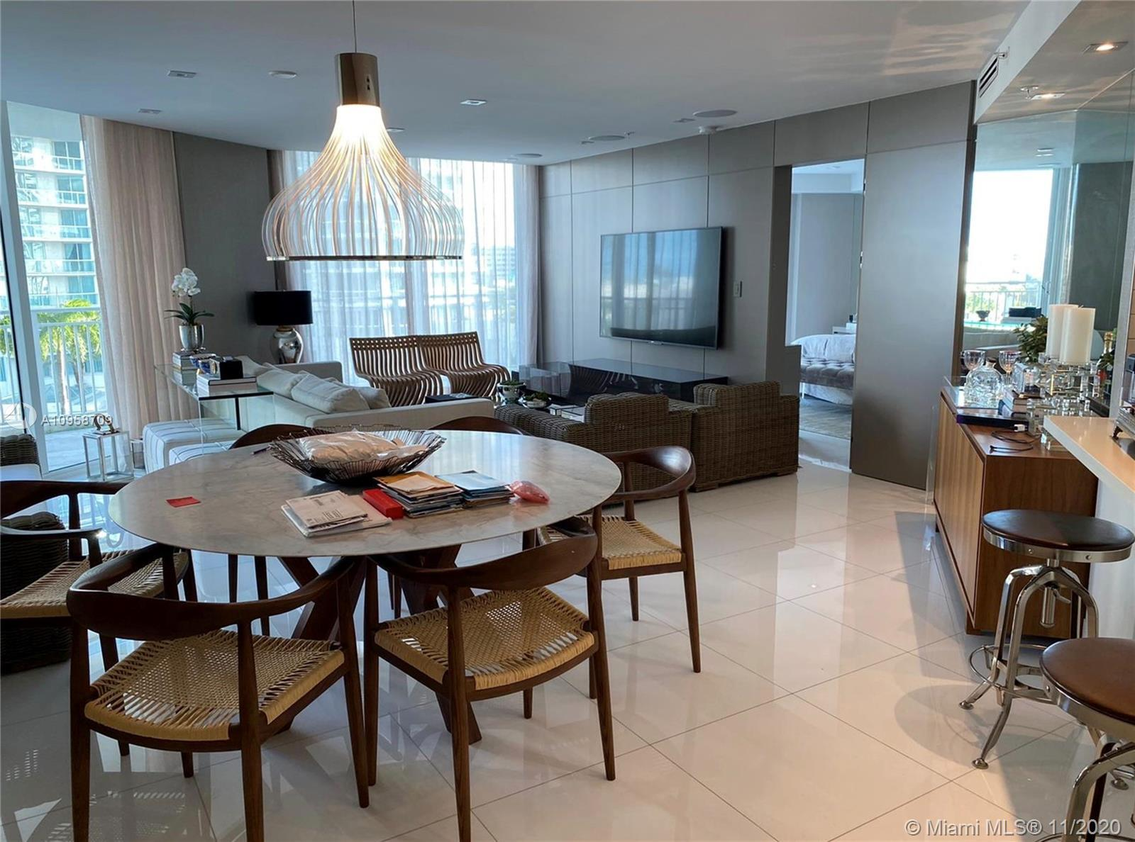 Amazing Opportunity at the charming St Tropez building in Sunny Isles. Lanai unit with private overs