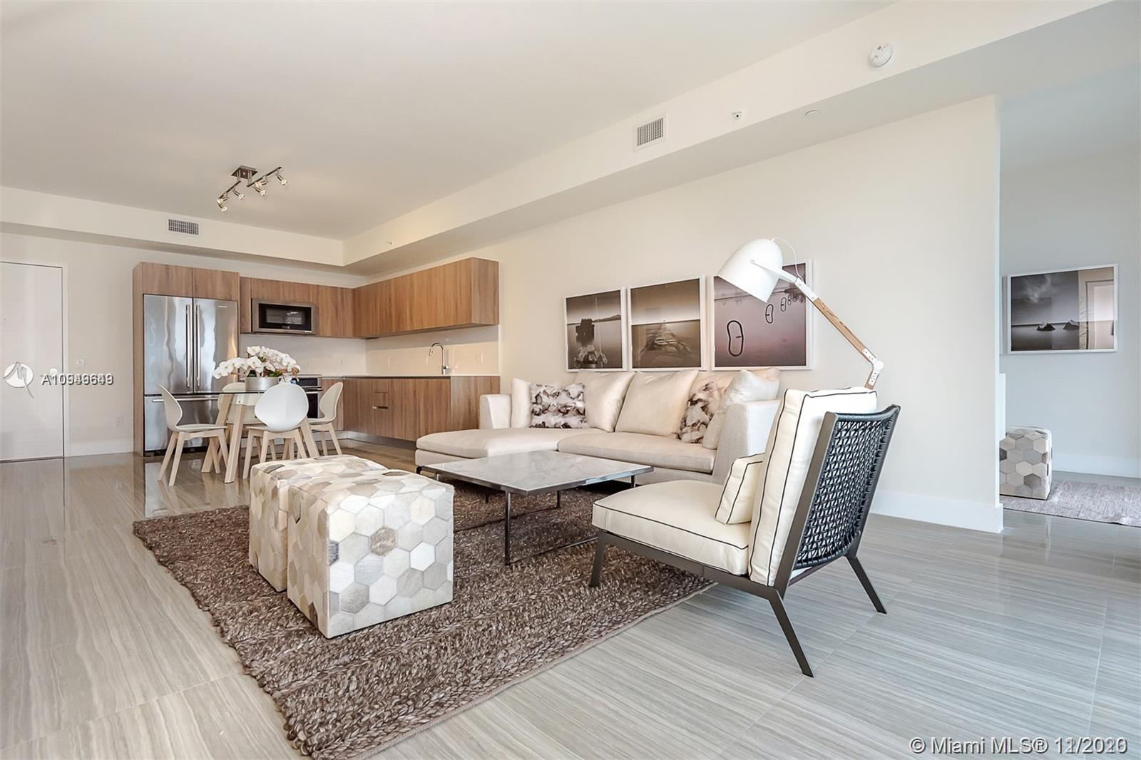 BEST PRICED AT Aventura Parksquare! MOTIVATED SELLER/ PRICED FOR A QUICK SALE!