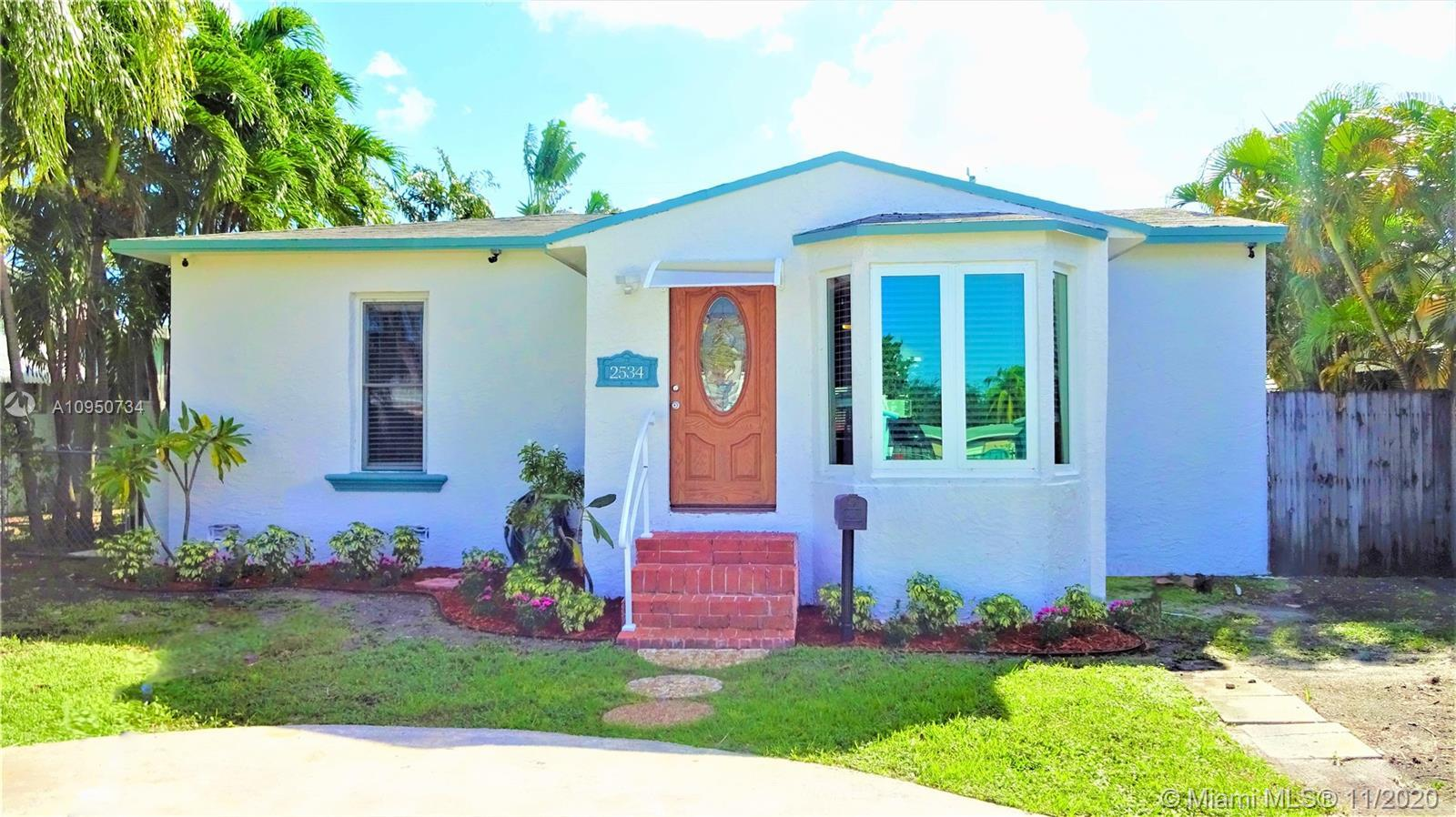 This gorgeous and cozy 2/1 pool home located in Hollywood is ready to move in! Just bring your furni