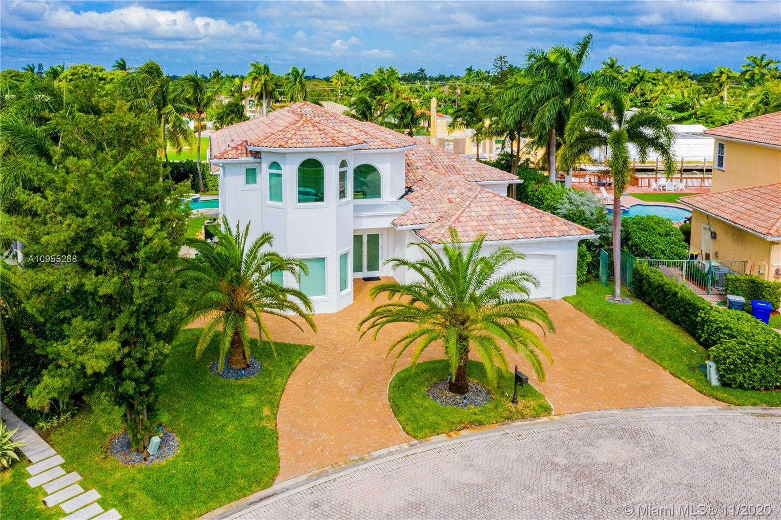 ABSOLUTELY SPECTACULAR HOME IN THE ESTATES OF HARBOR ISLAND FEATURING 4385 SQUARE FEET UNDER AIR PLU