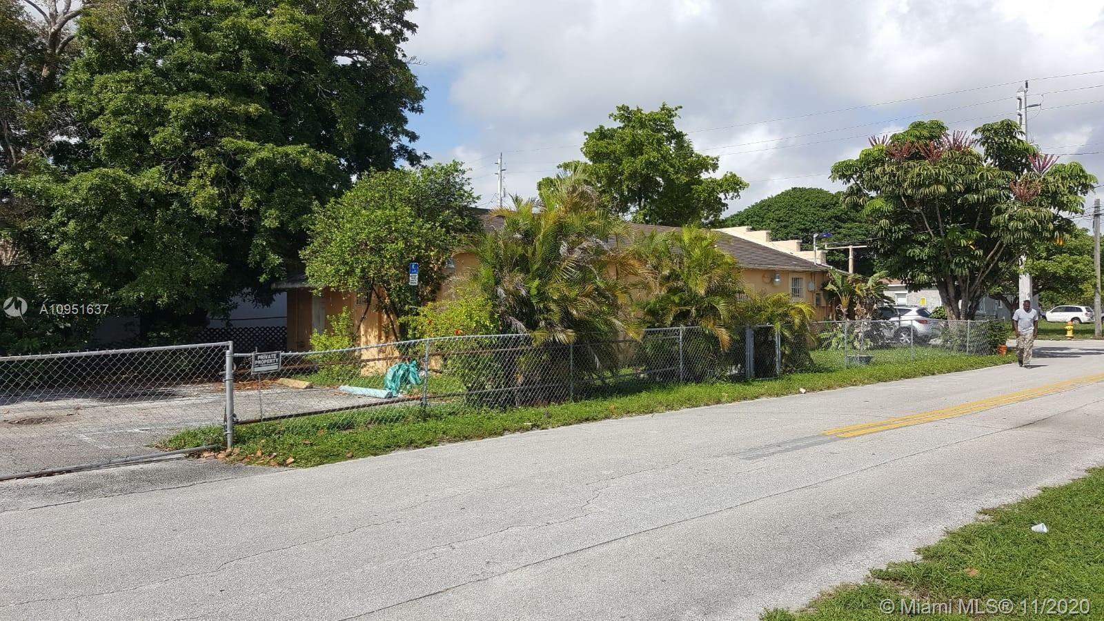 ZONED DUPLEX THIS PROPERTY HAS NEW ROOF AND NEED FULL REHAB INSIDE.. CAN BE SINGLE FAMILY OR DUPLEX