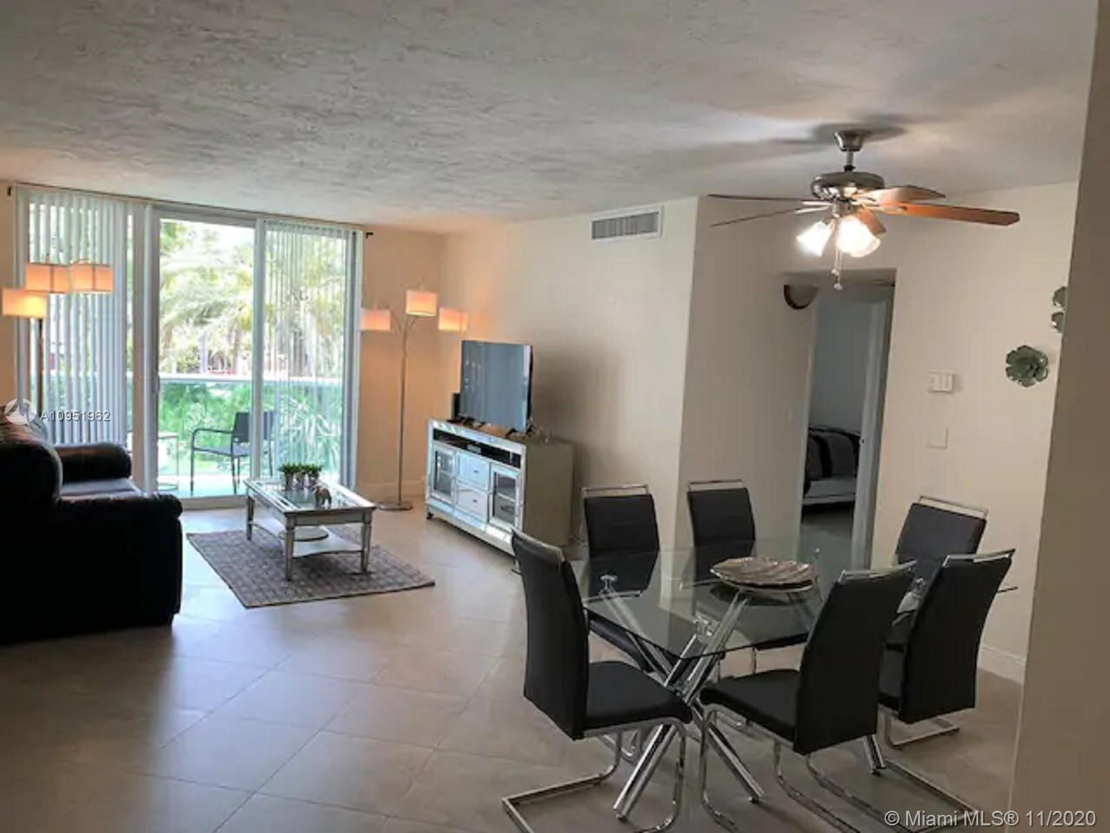 Mid-Luxury High Rise on Beautiful Hollywood Beach FL, 1BR/1BA. Building features 2 heated pools, 2 f