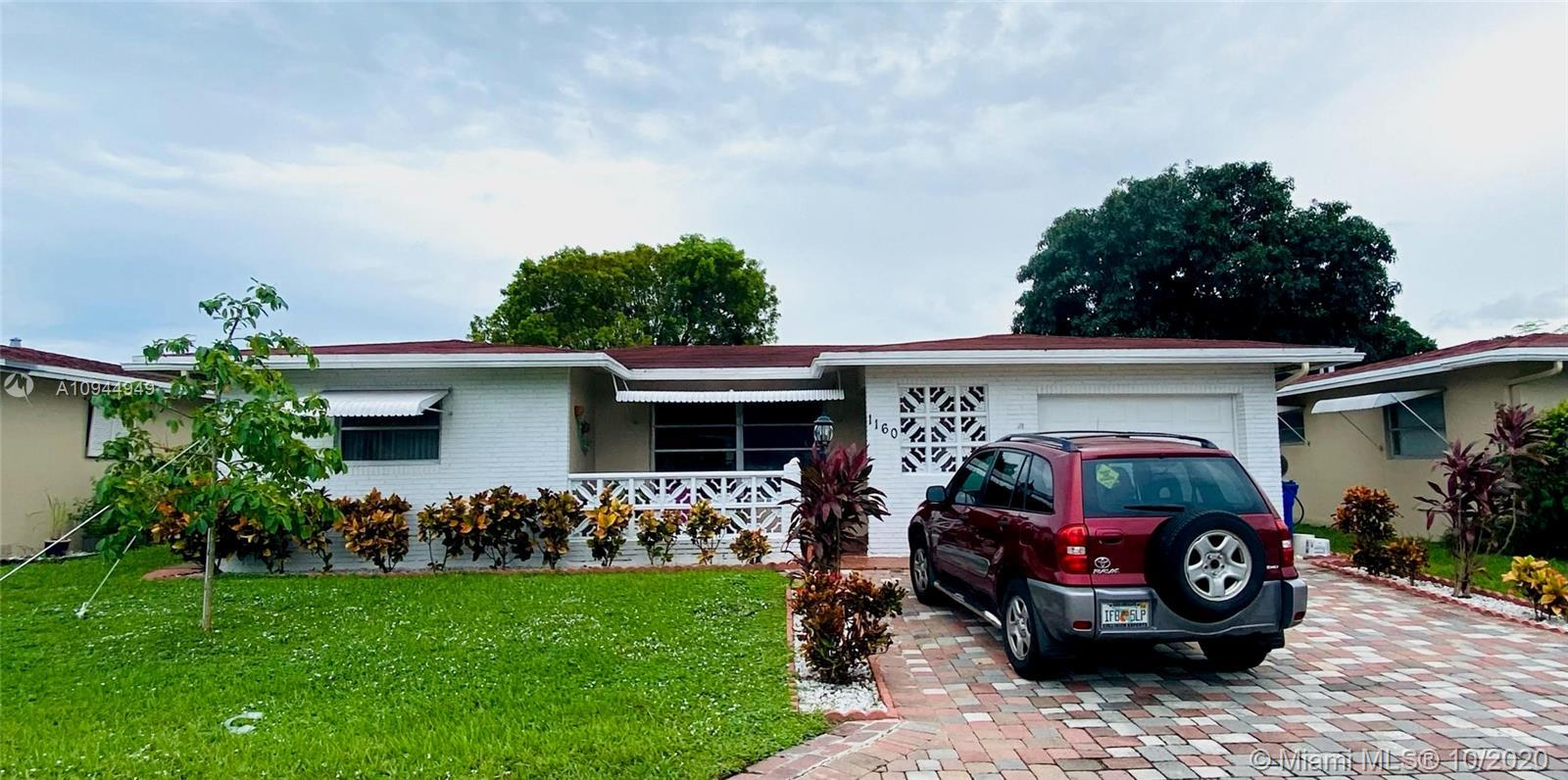 Price changed for quick sale. ALL AGE community. This home is one of the largest model in Crystal La