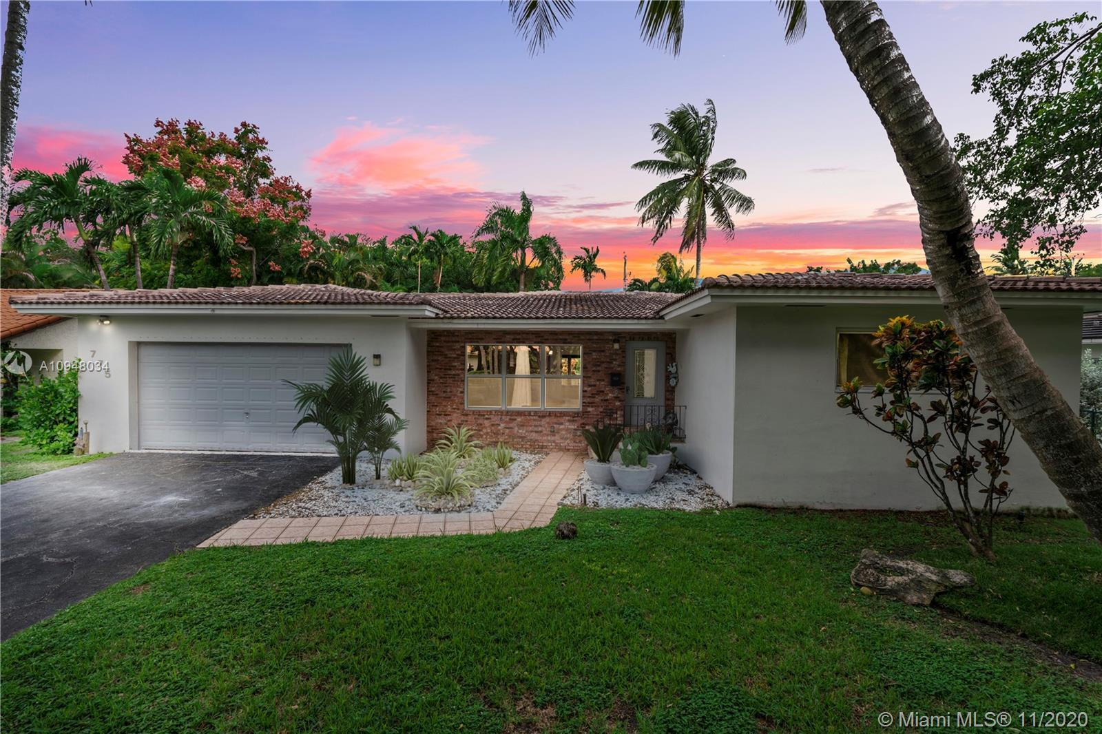 Large spacious home high-ceilings, open format. Lots of light. Updated kitchen quartz countertops an