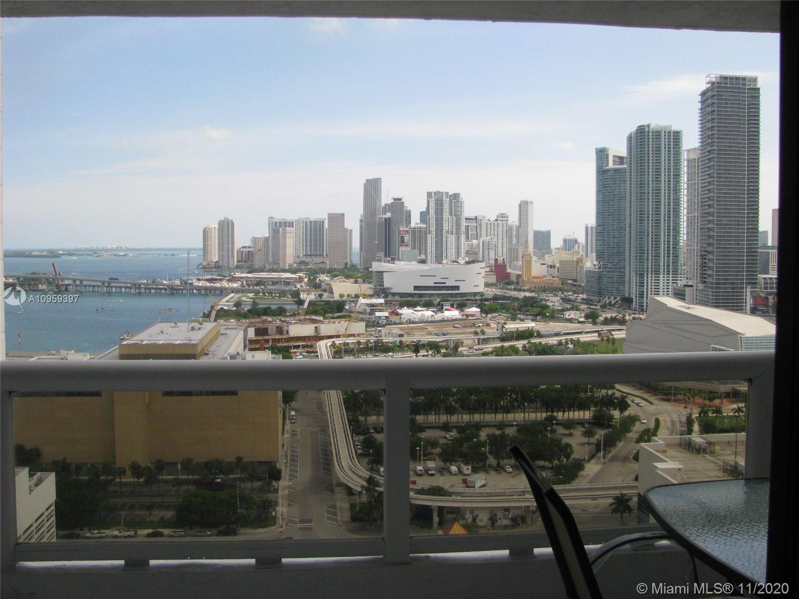 2 Bedrooms, 2 baths with great views of Bay and downtown skyline at The Grand, well updated. The Gra
