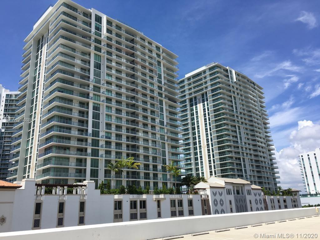 Magnificent Unit in New Building with 5 Stars Amenities. Tastefully upgraded 3 Bed/3.5 Bath corner u