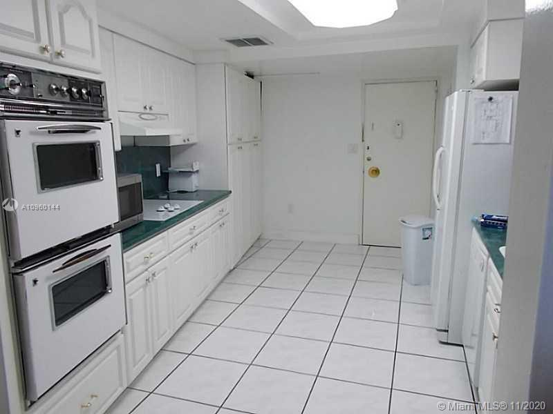 Mid Beach/Millionaires Row area of Miami Beach, Full service, ocean front building with direct beach
