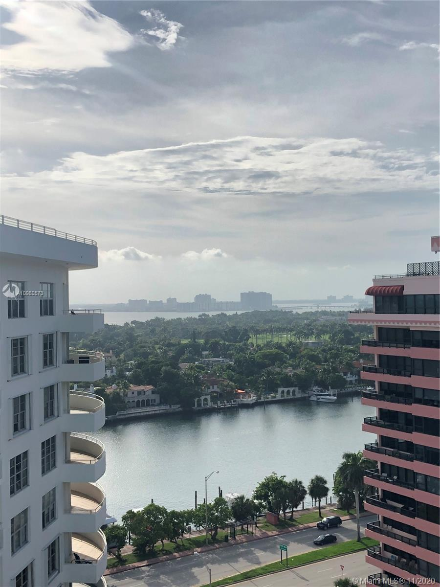 OWNER MOTIVATED! THIS SPACIOUS 2 BEDROOM 2 BATHROOM OFFERS A BEAUTIFUL VIEW TO THE INTERCOASTAL ON