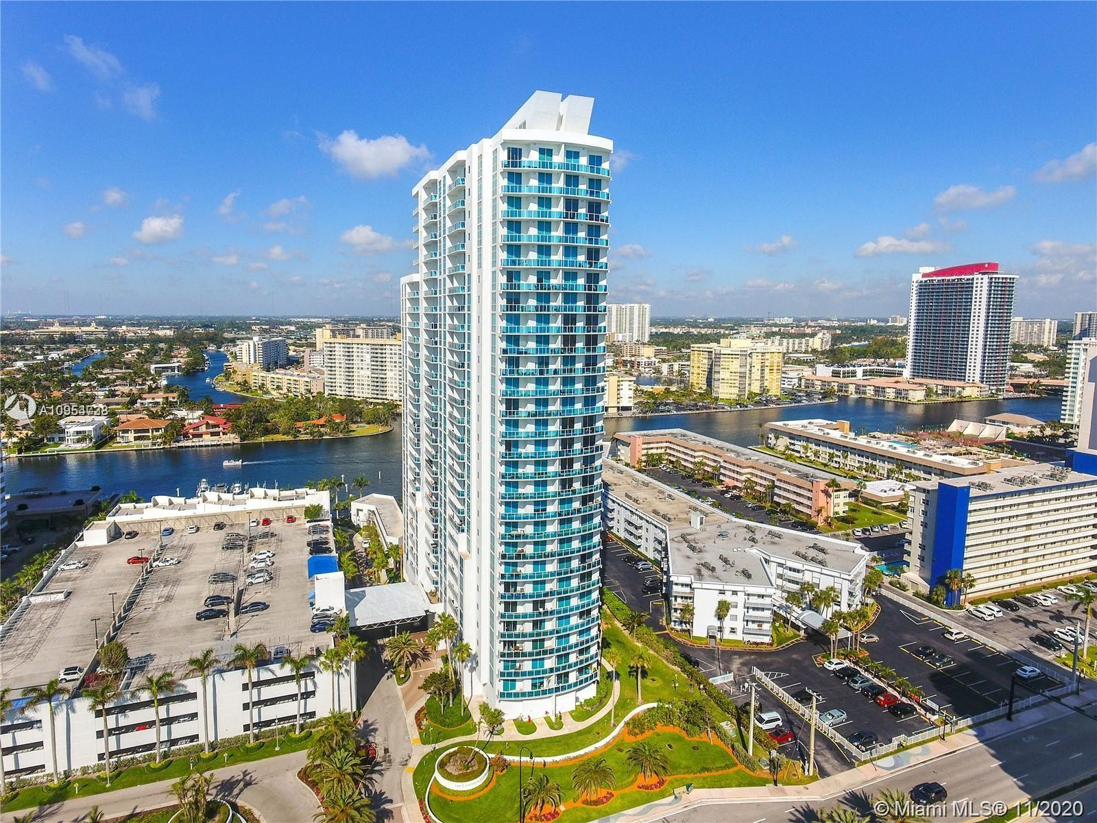 BEAUTIFUL  SPACIOUS  1 BEDROOM 1 1/2 BATH  WITH PANORAMIC INTRACOASTAL AND OCEAN VIEW.  BEST LAYOUT