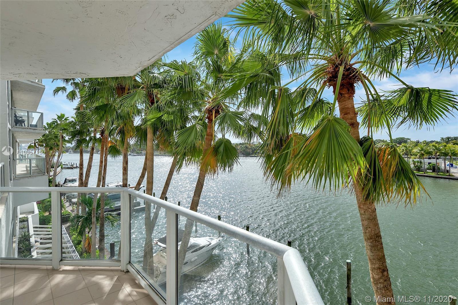 Beach Living. Largest Corner 3BED/2BATH Unit,1390 Sq Ft. Gorgeous Intracoastal & Ocean & City Views: