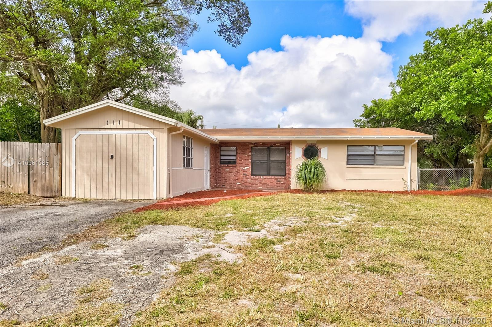 Beautifully remodeled 3 bedroom, 2 bathroom 1 story home in Sky Lake with no HOA! This home features