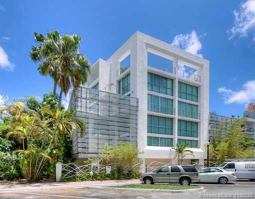 FANTASTIC OPPORTUNITY !!! LIVE THE MOST EXCITING EXPERIENCE IN A PERFECT OASIS, THIS LUXURY 2 STORY