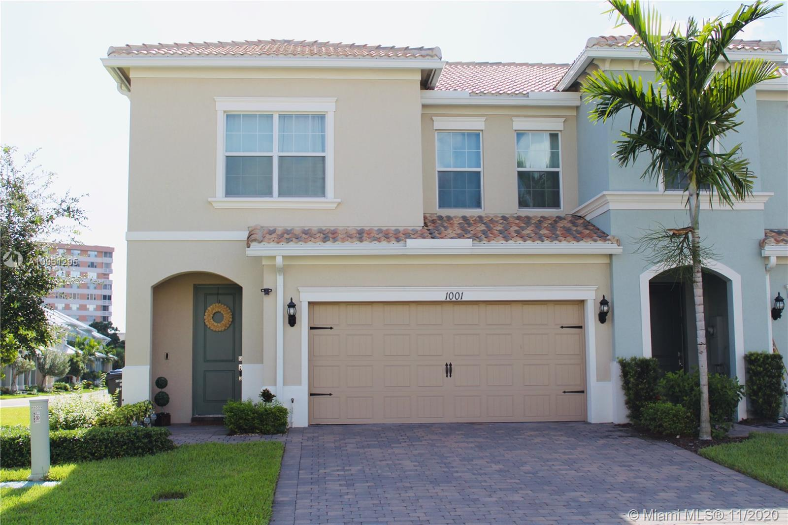 Parkview at Hillcrest is a newer gated community in Hollywood has a clubhouse, fitness center, tenni