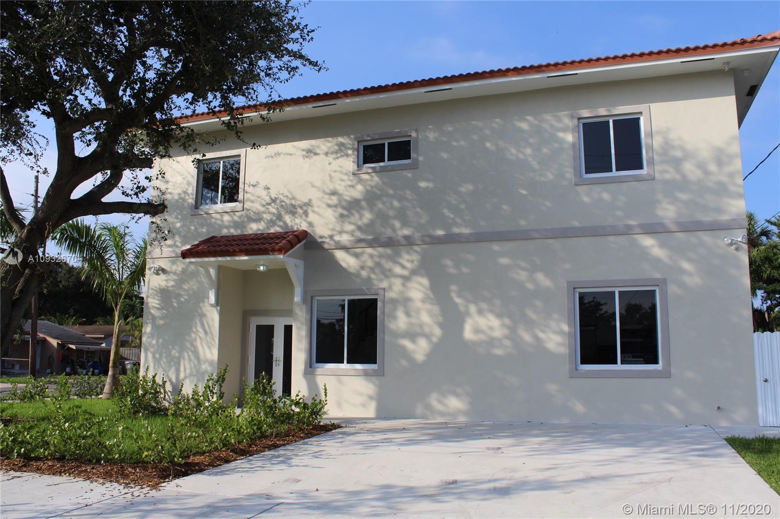 2 STORY TWINHOME UNDER CONSTRUCTION. 4 BEDROOM 4.5 BATHS WITH LOTS OF UPGRADES IN HALLANDALE. CLOSE
