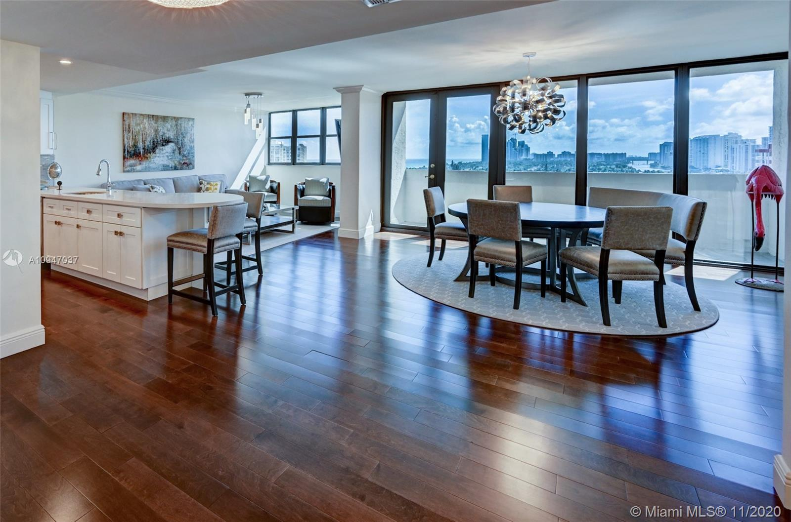 RARE FIND - GORGEOUS 3 BEDROOM (OR 2 BEDROOM PLUS DEN) 3 BATH PENTHOUSE WITH AMAZING OCEAN AND INTRA