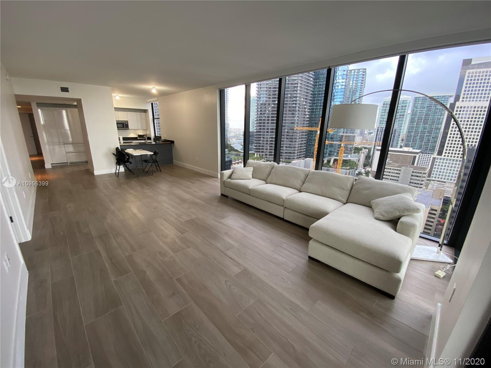 "Amazing corner unit, fully finished, modern floor, kitchen, closets and with a ""BBQ in the balcony""."