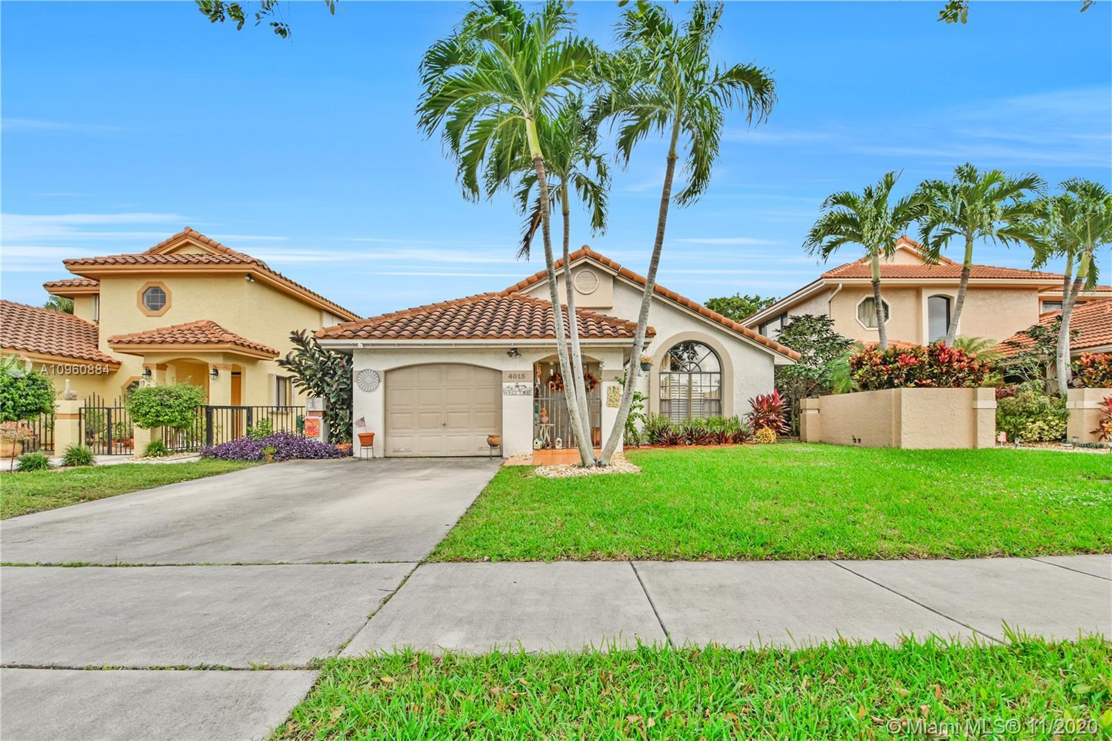 You will love this 1-story home located in the Villages of Hillsboro Deerfield Beach. This one of th