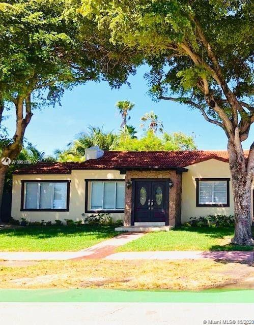 Unique opportunity to own this charming 4/4 beauty only a few miles away from the ocean. The main ho