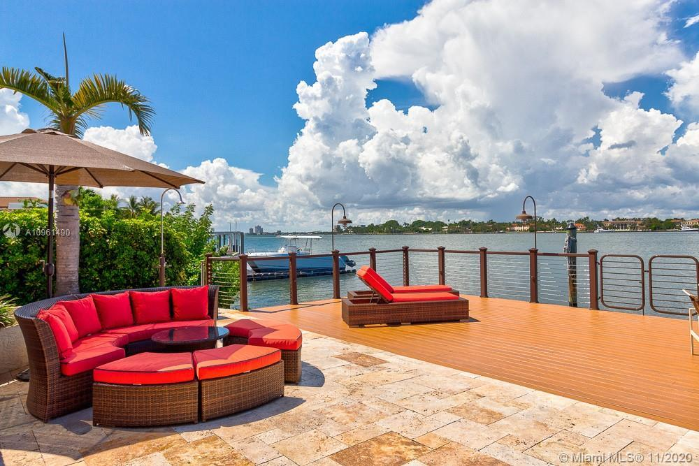 OUTSTANDING!!! MIAMI BEACH WATERFRONT HOME. SPECTACULAR WIDE BAY VIEWS FROM A 3259 SF 4/3 WITH HIGH