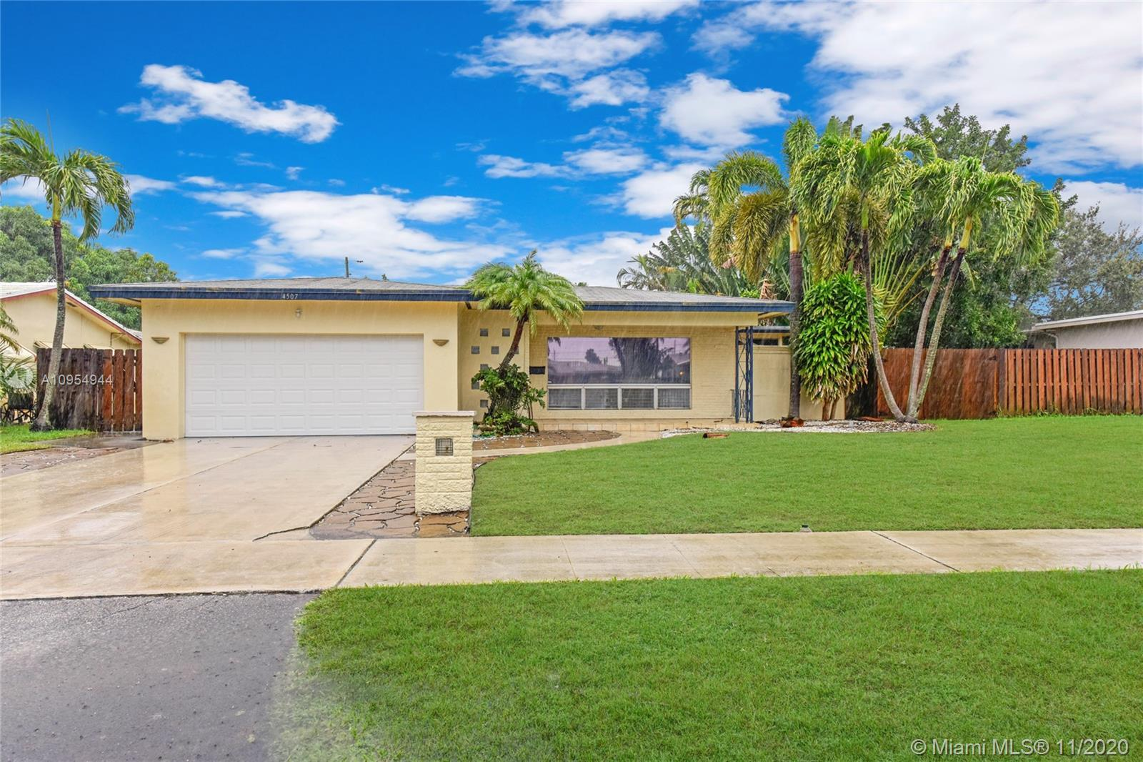 Great 3 bedroom, 2 bathroom home ready for you to call home! This property offers a wonderful layout