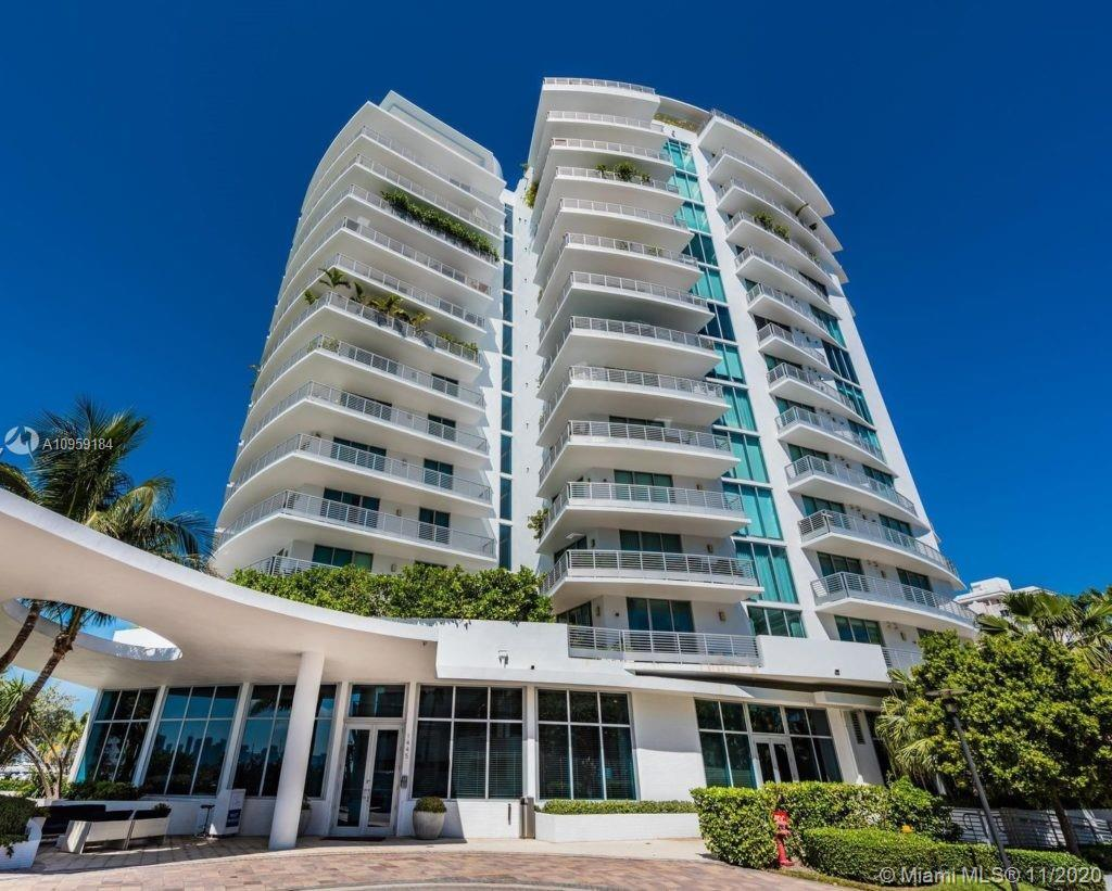 Luxury boutique building waterfront 2 bedrooms 2.5 bathrooms, living with views from the ocean to th