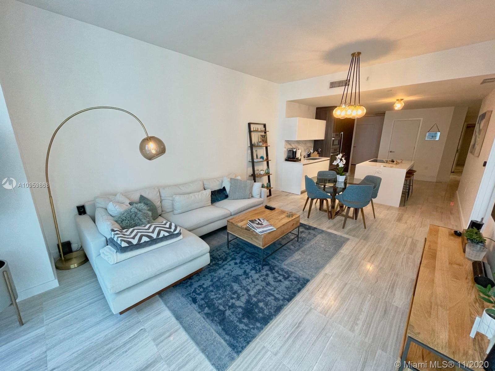 Spectacular 1,386 SQFT 1 Bed + Den + 2 Full Baths with water views residence! Subzero refrigerator &
