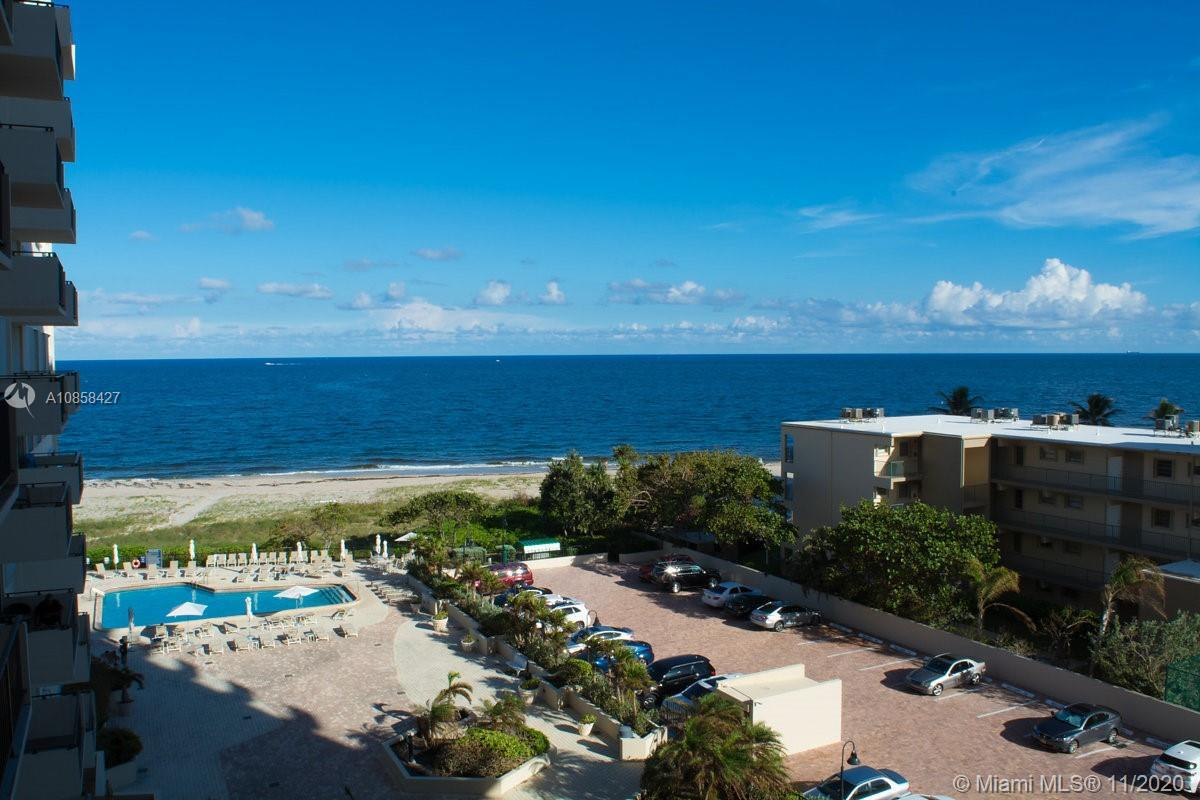 GREAT OPPORTUNITY FOR INVESTORS . ENJOY THE BENEFITS OF LIVING IN THE SUNSHINE STATE!! Step Out from