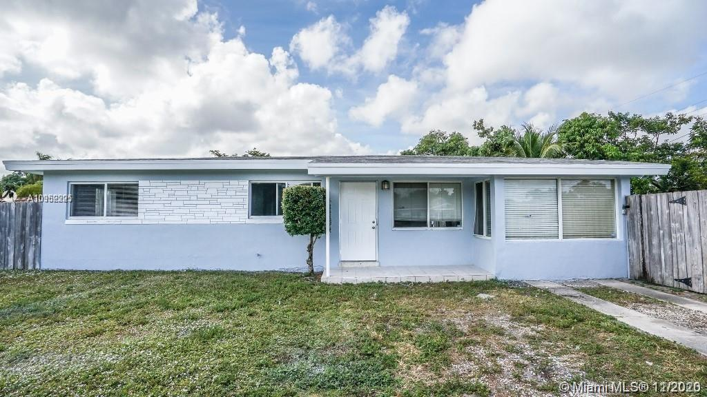 Beautiful 3/2 single family home Available in desirable Progresso area. This home was fully renovate