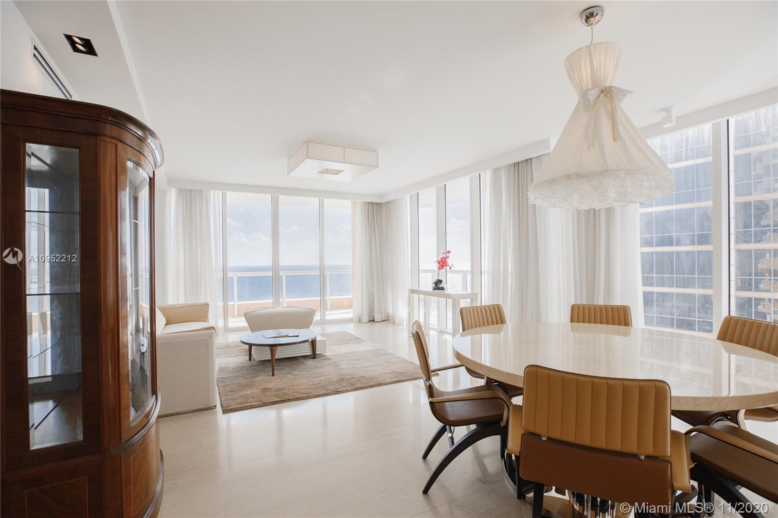 SPACIOUS 3/3.5 MOST DESIRBLE SOUTH EAST CORNER FLOW THRU UNIT (TWO LIVING AND FORMAL DINING ROOM SPA
